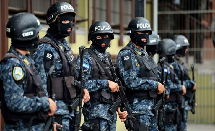 """""""Somos pueblo y no podemos estar matando"""", dicen policías en Honduras"""